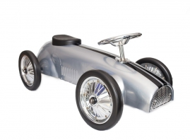 Dimensions: 80cm Long x 31cm Height to steering wheel, 30cm seat Height. Width 34cm (wheel to wheel).   Age Suitability: 1.5 year+  Suitable: Indoor  and Outdoor Use
