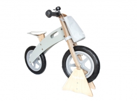 Dimensions: 85cm Height x 57cm Length x 39cm Depth  Carry max weight: 25kg  Seat Height: min 39cm - max 44cm, Handlebars width 37.5cm, Reach seat to handlebars 30cm, Weight5kg.  Age Suitability: 2 year-5 year old  Suitable: Indoor  and Outdoor Use